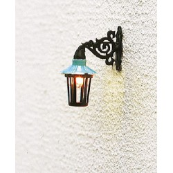 Farola de pared, 24 mm, bombilla incandescencia, Escala H0. Marca Brawa, Ref: 5352.